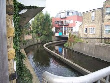 Wandsworth, River Wandle, Strathville Rd, London © Keith Rose
